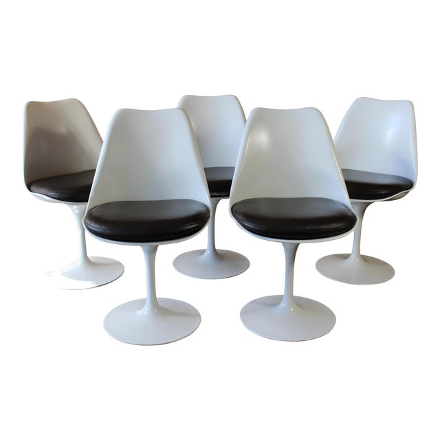 Contemporary Eero Saarinen for Knoll Tulip Dining Chairs - Set of 5 For Sale