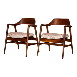 Mid Century Modern Sculpted Side Chairs by Gunlocke - a Pair For Sale
