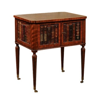 English 1920s Mahogany End Table with Leather Top and Faux-Leather Books Decor