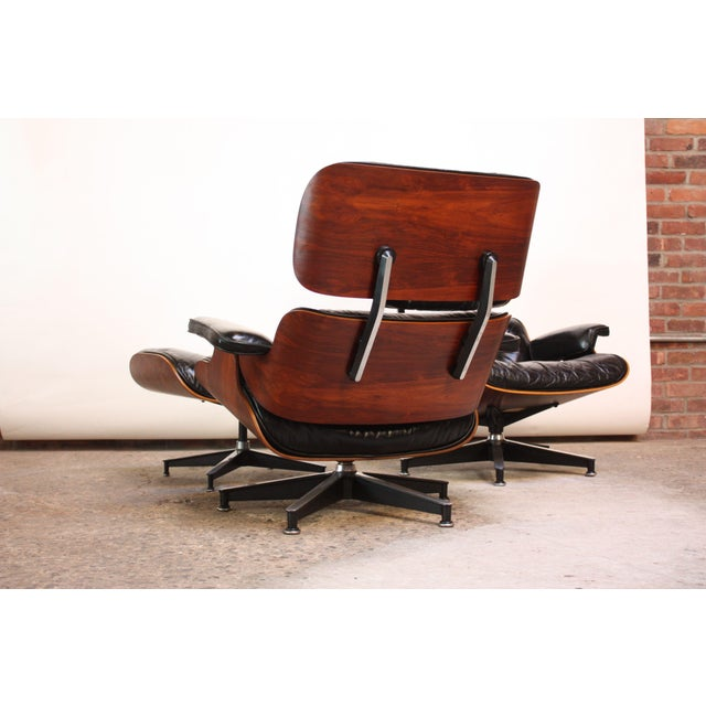 World-Class Pair of Vintage Rosewood Eames 670 Lounge Chairs with ...