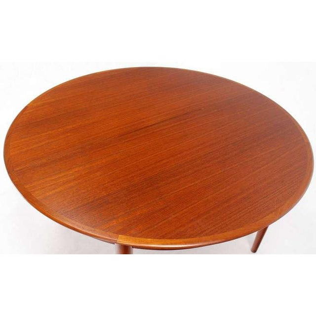 Danish Mid-Century Modern Round Teak Dining Table with Three Leaves For Sale - Image 4 of 9
