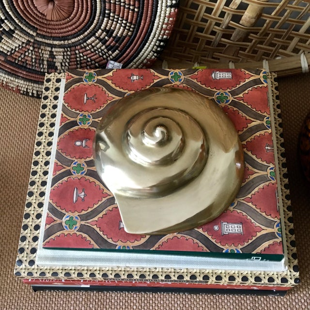 Mid-Century Modern Vintage Solid Brass Shell Shaped Paperweight For Sale - Image 3 of 7