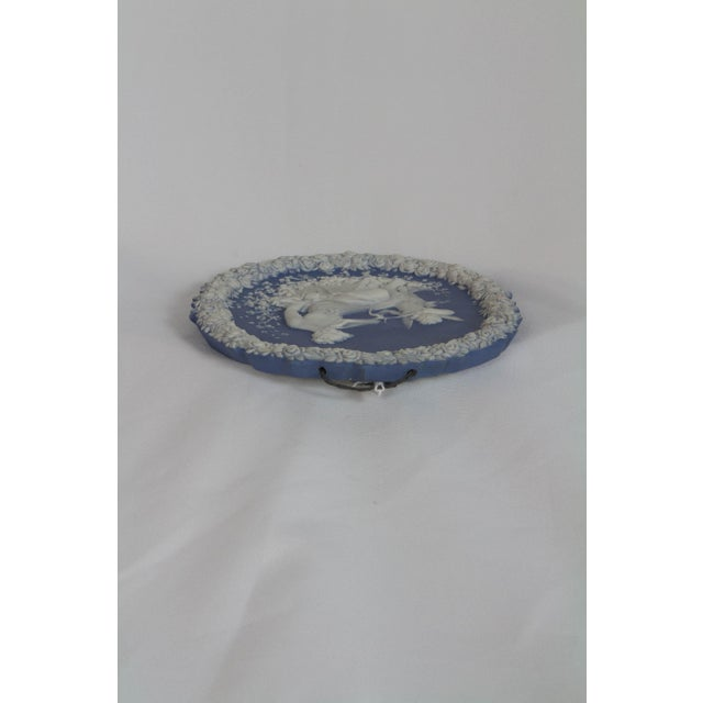 English Traditional Traditional Oval Blue and White Jasperware Plaque For Sale - Image 3 of 6