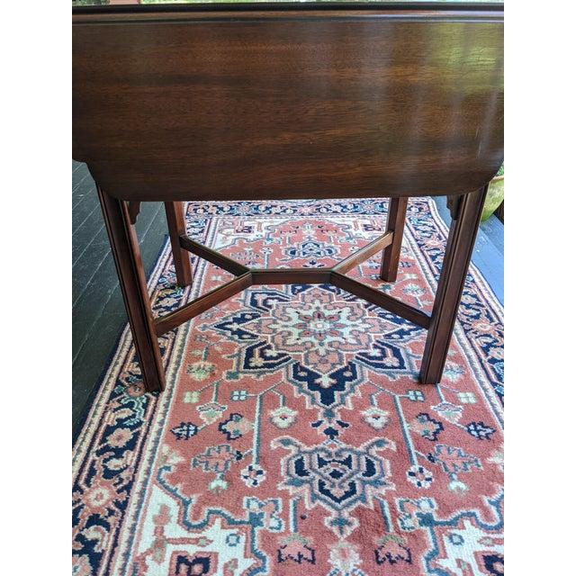 Vintage Henkel-Harris Drop Leaf Mahogany Side Table For Sale - Image 4 of 12
