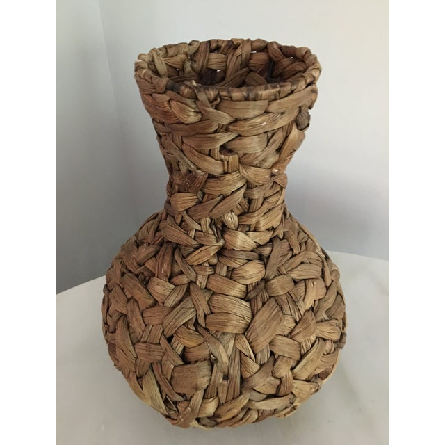 20th Century Boho Chic Hand Woven Banana Leaf Basket/Vase For Sale - Image 4 of 6