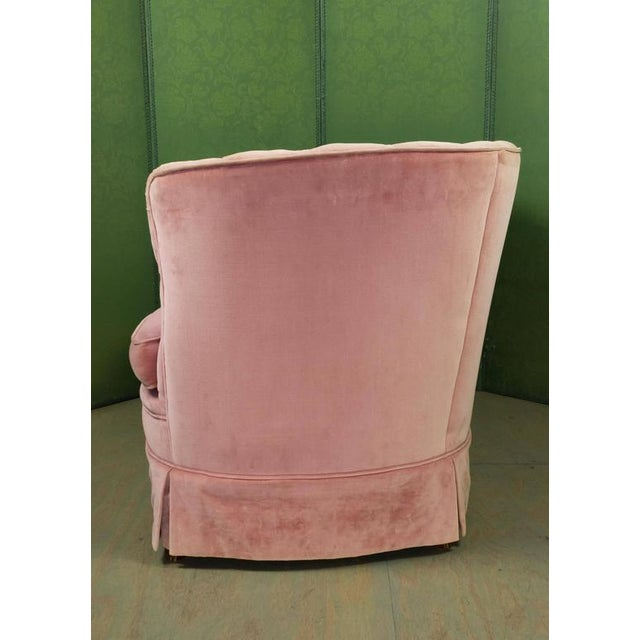 Small Pink Velvet Settee - Image 8 of 11