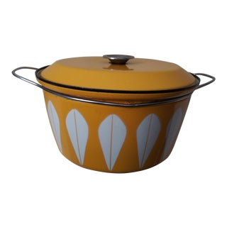 1960s Catherineholm Lotus Yellow Enamelware Pot For Sale