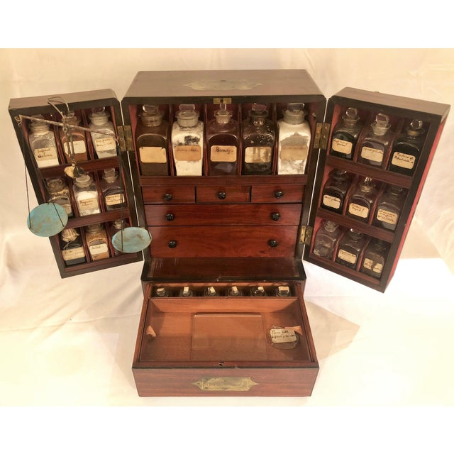 Antique English Apothecary Chest, Circa 1880. For Sale In New Orleans - Image 6 of 9
