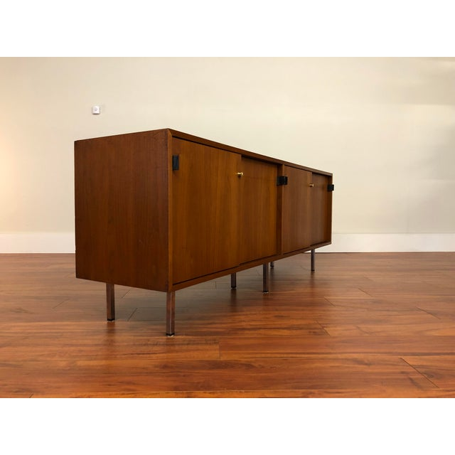 Brown Florence Knoll Vintage Walnut 4 Position Credenza - Circa 1960s For Sale - Image 8 of 11