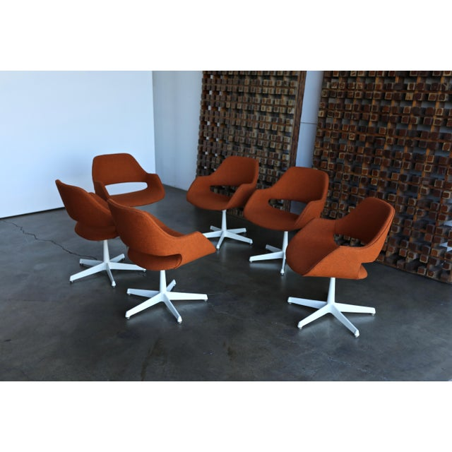 Madison Furniture Arthur Umanoff for Madison Furniture Swivel Armchairs - Set of 6 For Sale - Image 4 of 13