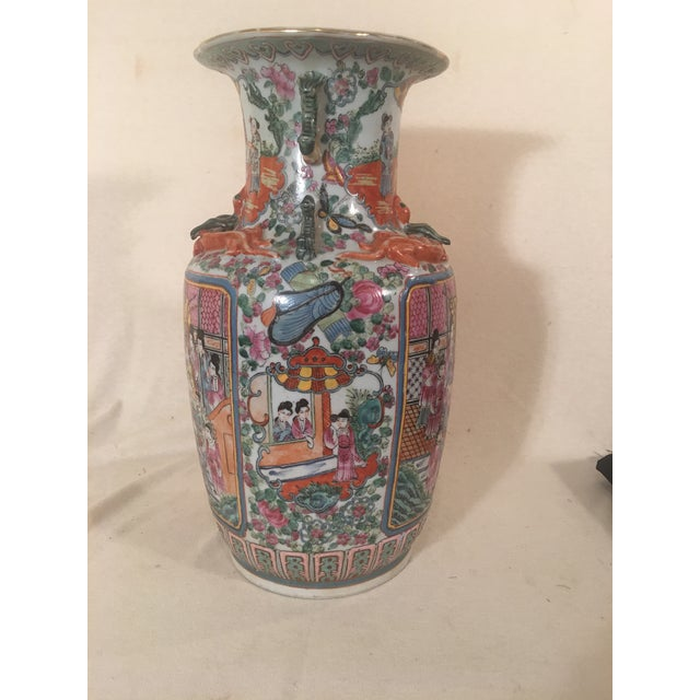 Chinese Rose Medallion Porcelain Vases - A Pair - Image 3 of 11