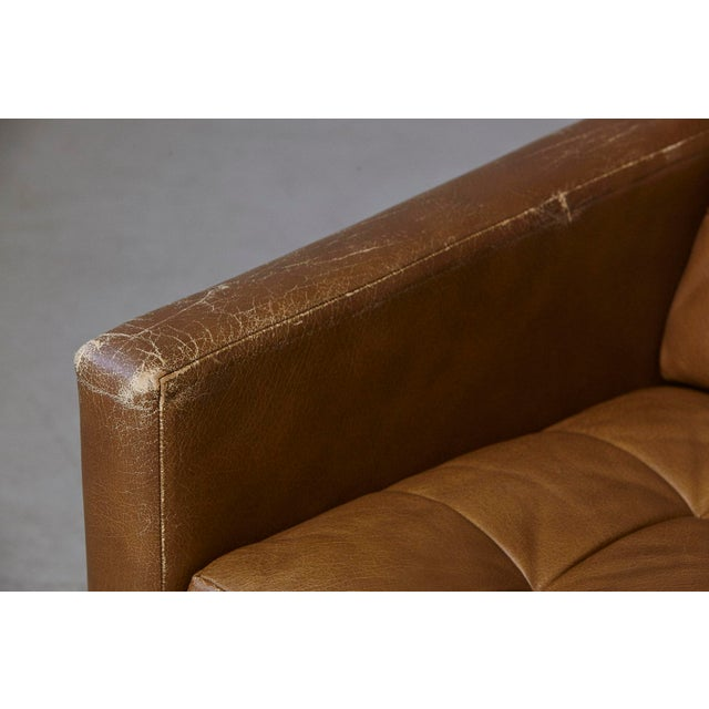 Florence Knoll Tan Leather Button Tufted Lounge Chair, 1970s For Sale In New York - Image 6 of 12