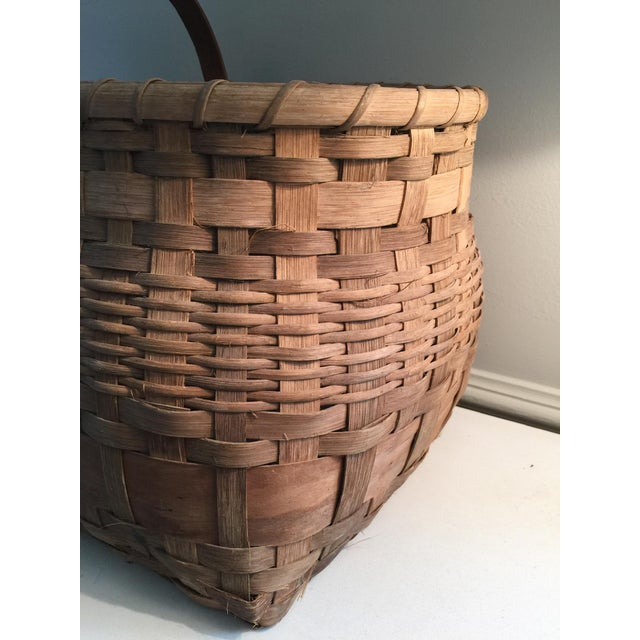 1920s Antique Wicker Basket with Handle For Sale - Image 5 of 11