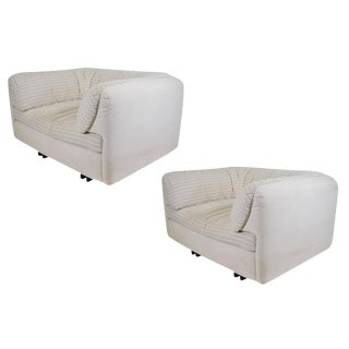 Super Comfortable Lounge Chairs by Arflex - a Pair For Sale