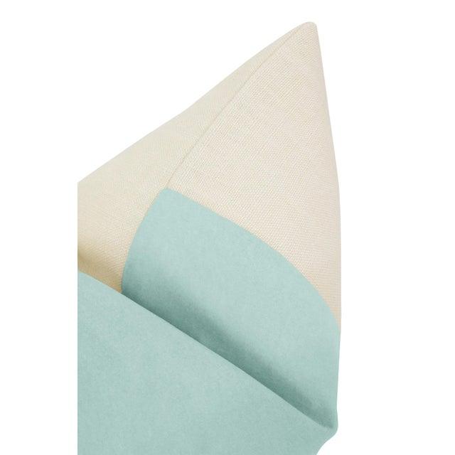 """22"""" Sky Blue Velvet Panel & Linen Pillows - a Pair For Sale - Image 4 of 5"""
