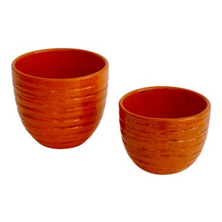 Mid 20th Century Bitossi for Rosenthal Netter Fire Orange Ceramic Planter - a Pair For Sale