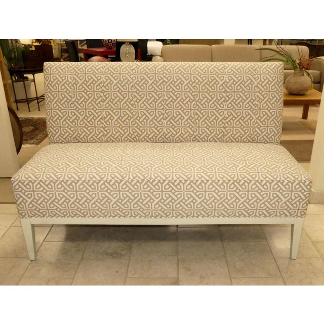 Immaculate settee by Hickory Chair. Upholstered in a geometric cotton blend fabric in shades of soft tan/taupe and white...