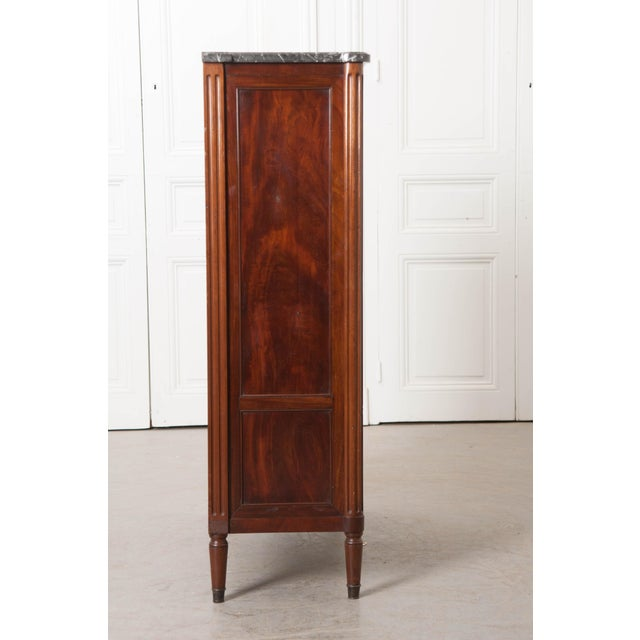 White 19th Century French Louis XVI-Style Vitrine For Sale - Image 8 of 10