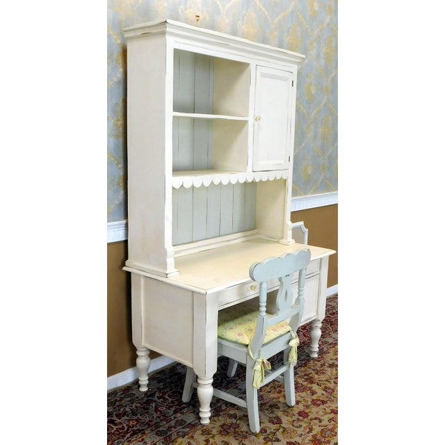 Country Bradshaw Kirchofer White Hand Crafted Sweat Pea Desk w/ Scalloped Hutch & Chair For Sale - Image 3 of 9