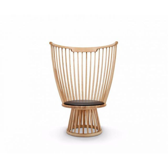 Fan is a modern take on the classical Windsor chair. A British archetype converted to a contemporary silhouette, creating...