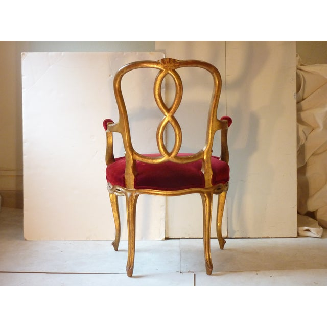 Early 20th Century Vintage French Ribbon Back Giltwood Armchairs- A Pair For Sale In Boston - Image 6 of 11