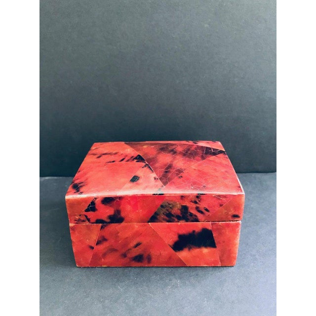 Gorgeous decorative box or jewelry box in tessellated pen-shell. Lacquered and hand-dyed in red and black with mosaic...