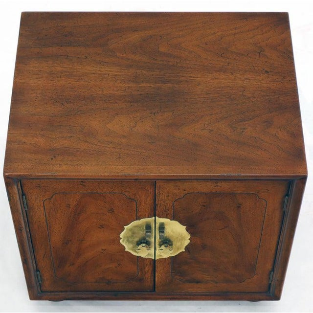 Pair of Mid-Century Modern Two Doors Nightstands by Henredon For Sale - Image 10 of 12