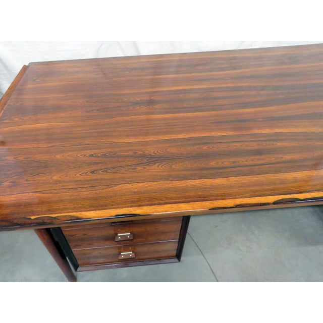Mid-Century Modern Large Mid-Century Modern Rosewood Desk For Sale - Image 3 of 11