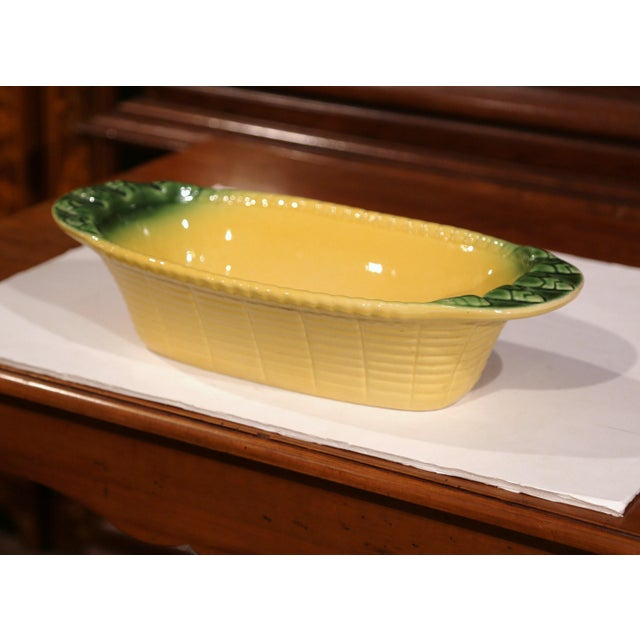 Majolica Early 20th Century French Hand-Painted Barbotine Decorative Dish With Handles For Sale - Image 4 of 9