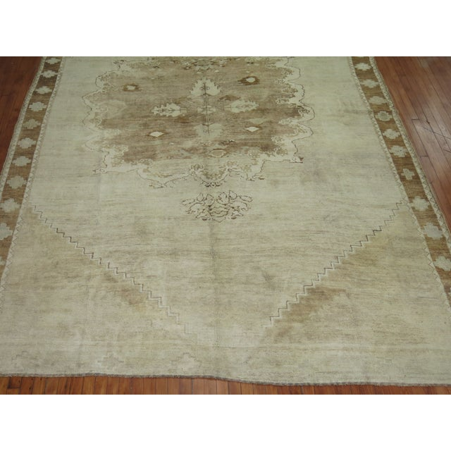 Vintage White & Brown Turkish Oushak Rug, 9'1'' x 13'8'' For Sale - Image 5 of 5