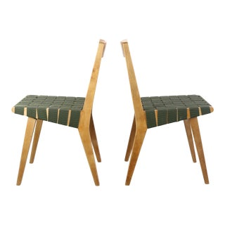 Set of Two Early Jens Risom for Knoll Side Chairs in Blonde Wood and Green For Sale