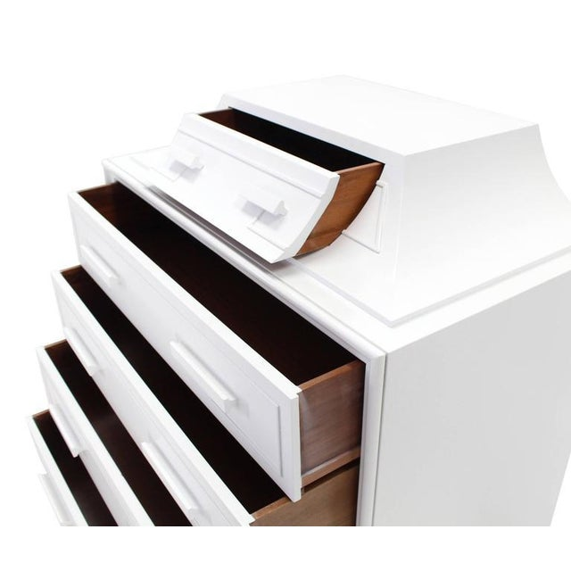 Wood Mid-Century Modern White Lacquer Pyramid Shape Bachelor Greek Key Ornament Chest For Sale - Image 7 of 8