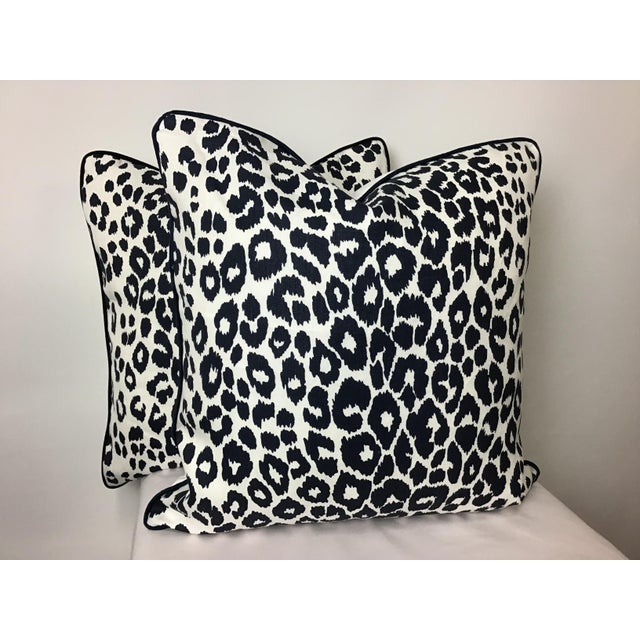 "Canvas Contemporary Linen Print Iconic Leopard by Schumacher Pillows - a Pair, 22""x22"" For Sale - Image 7 of 7"