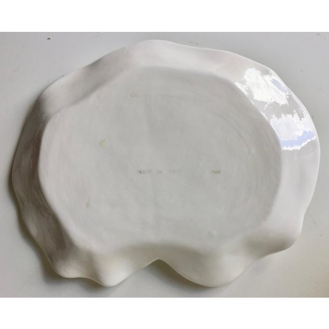 Italian Leaf Dish & 2 Porcelain Flower Cups For Sale In New York - Image 6 of 10