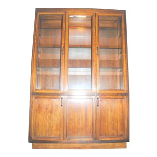 1960s Mid-Century Modern Davis Cabinet Company Solid Wood China Cabinet For Sale