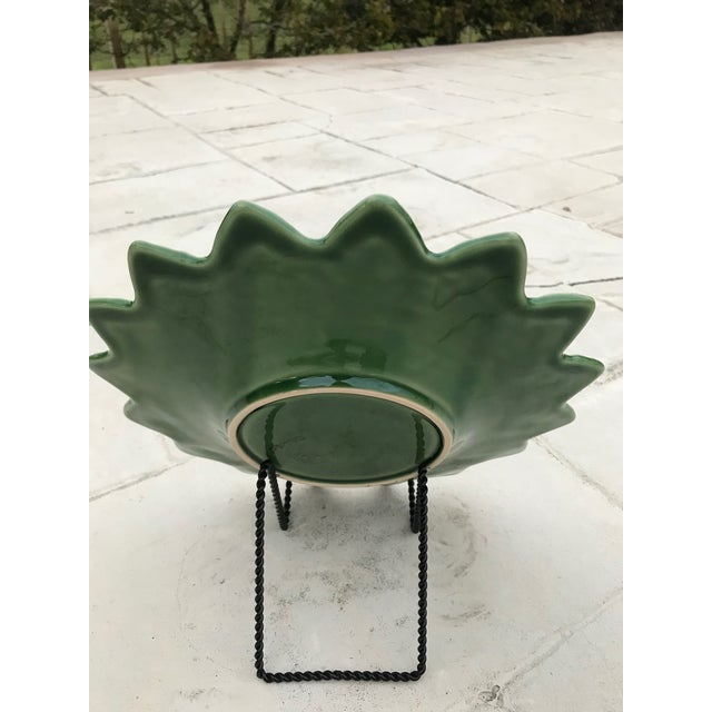 Contemporary 20th Century Bordallo Pinheiro Green Leaf Majolica Plate For Sale - Image 3 of 5