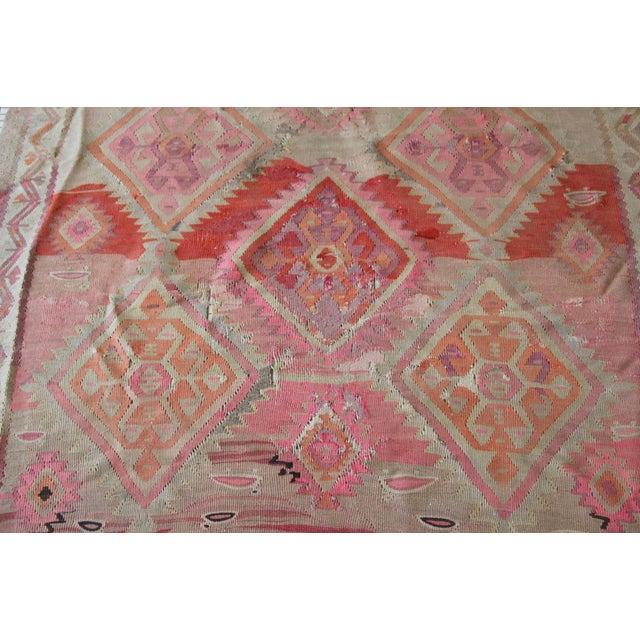 "Pink Kilim Flat Weave Rug- 5' x 9'4"" - Image 6 of 9"