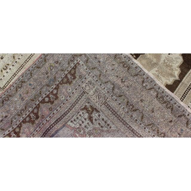 Keivan Woven Arts, Tu-Dur-445, Vintage Mid-Century Turkish Oushak Rug - 4′9″ × 7′8″ For Sale In Atlanta - Image 6 of 7