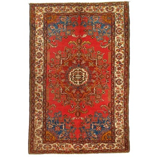 1950s Vintage Persian Tafresh Hand-Knotted Rug - 4′4″ × 6′7″ For Sale