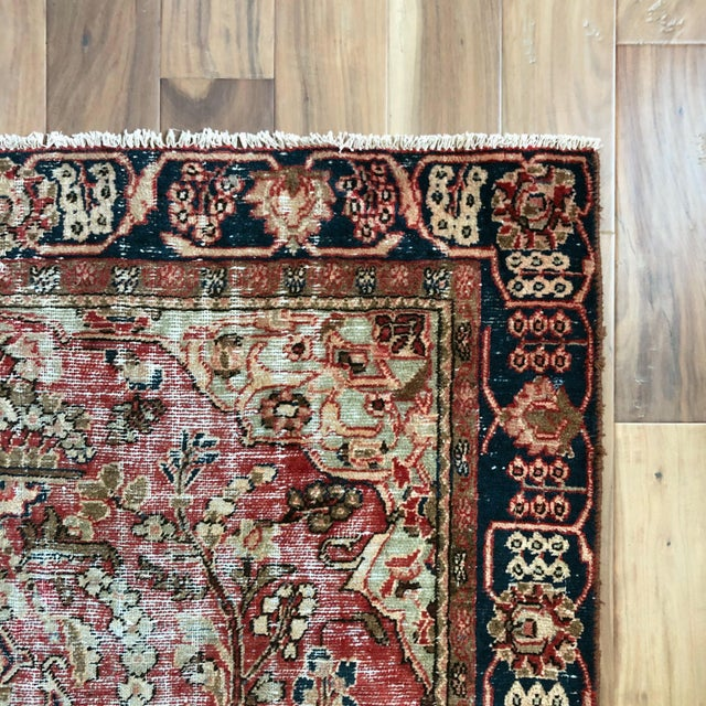 Middle Eastern 1930s Hand Knotted Wool Rug For Sale In Austin - Image 6 of 10
