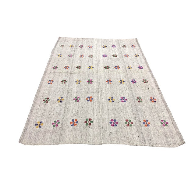 Turkish Natural Patterned Handwoven Kilim Rug - 6′1″ × 8′10″ For Sale