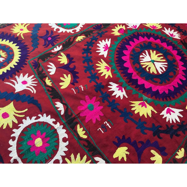"1971 Handmade Suzani Bedspread Throw - 6' x 4'8"" For Sale In Los Angeles - Image 6 of 7"