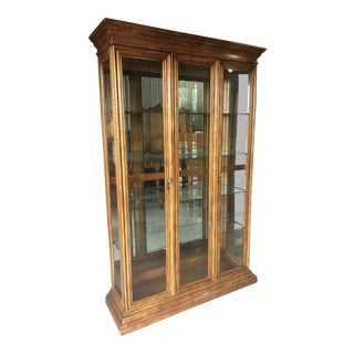 1970s Traditional American of Martinsville Display/China Cabinet For Sale