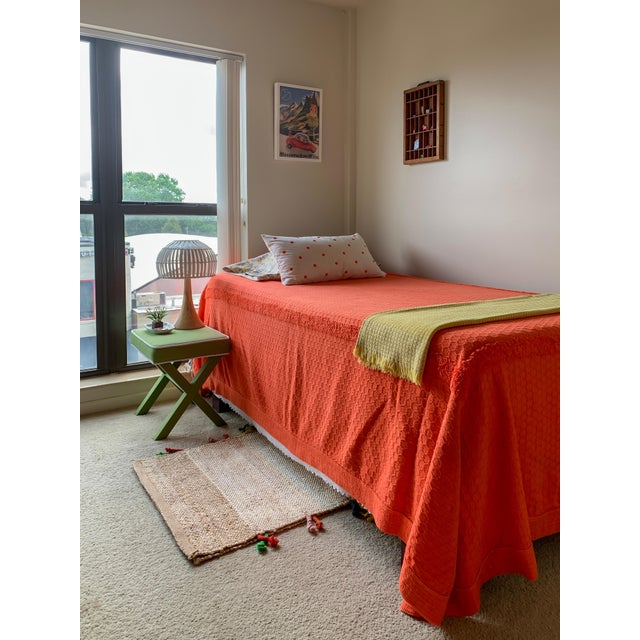 Mid-Century Modern *Popping!* 1960s Twin/Full Cotton Chenille Coverlet in Persimmon - Excellent Condition For Sale - Image 3 of 5