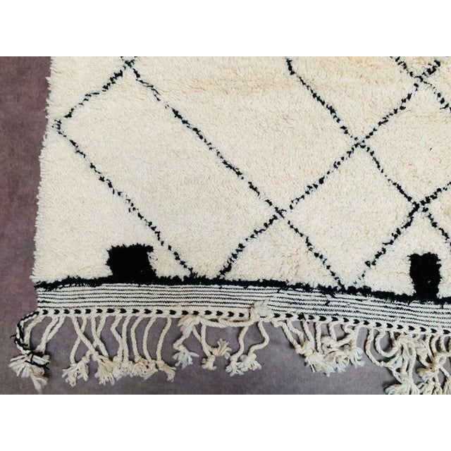 Berber Tribes of Morocco Moroccan Beni Ourain Rug For Sale - Image 4 of 9