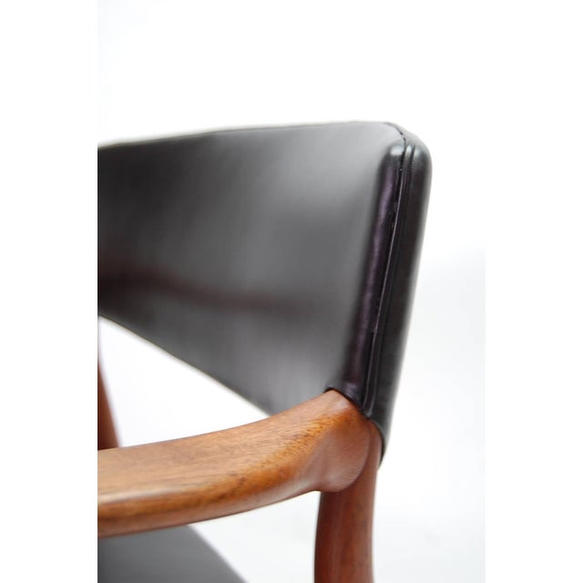 Black Armchair in Teak and Black Leather by Ejnar Larsen and Aksel Bender Madsen For Sale - Image 8 of 9