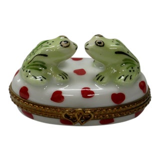 French Limoges Hand Painted Frogs and Hearts Trinket Box For Sale