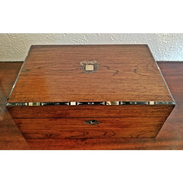 Early 19c Irish Mahogany Writing Slope With Armorial Crest For Sale In Dallas - Image 6 of 13