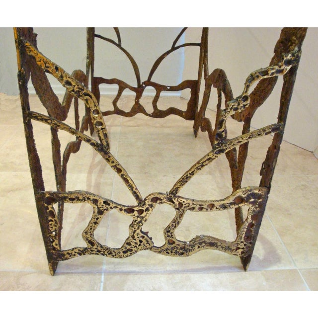 1970s Mid-Century Modernist Dining Table in Sand Cast Bronze and Glass, USA circa 1975 For Sale - Image 5 of 5