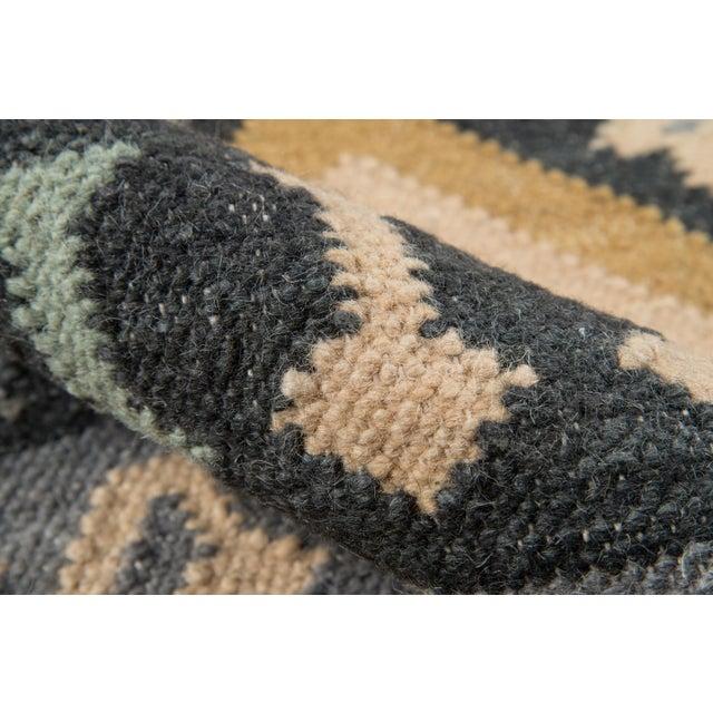 "Momeni Caravan Hand Woven Gold Wool Area Rug - 3'9"" X 5'9"" For Sale - Image 4 of 6"